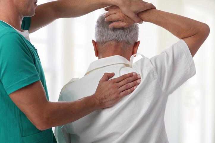 五十肩の予防法とは?ストレッチや食事について解説 | TENTIAL[テンシャル] 公式オンラインストア