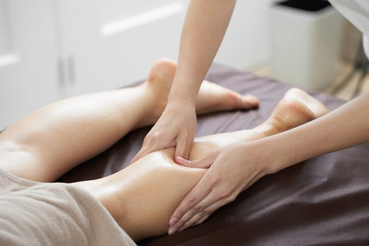 ほぐす ふくらはぎ 【血流改善】血行を良くする方法は「ふくらはぎ」をほぐすこと 足の刺激・運動で全身セルフケア